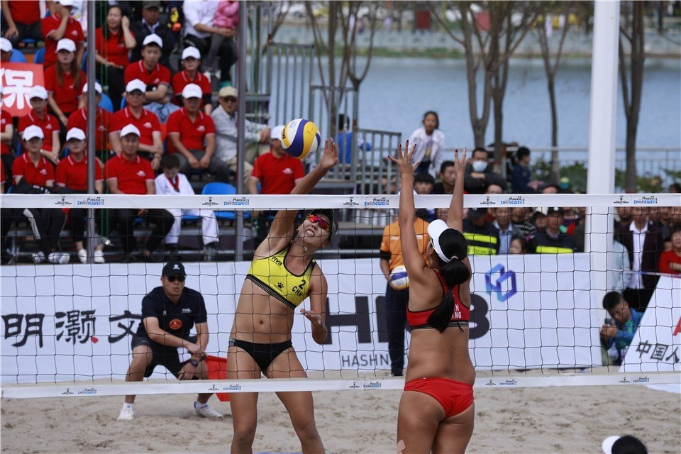 Jingzhe Wang spikes in the All-Chinese gold medal match in Zhongwei (Photocredit: FIVB)