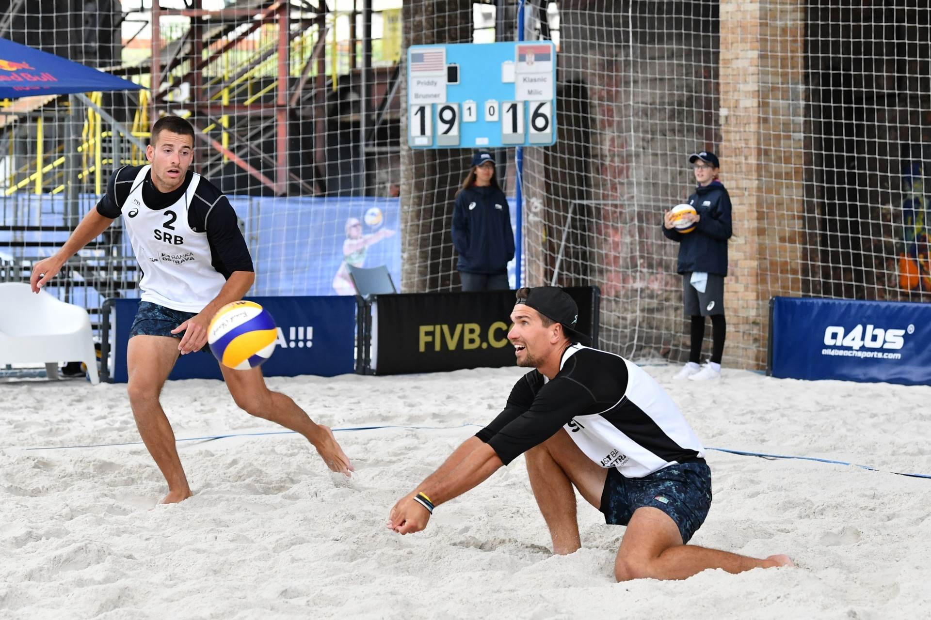 Serbians Milic and Klasnic will defend their country in Novi Sad (Photocredit: FIVB)