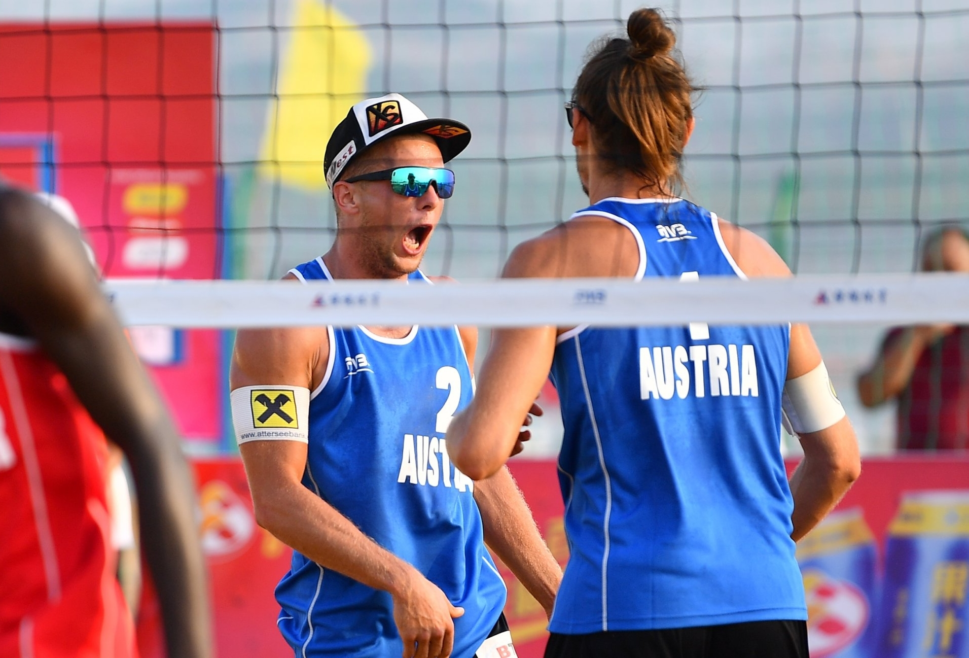 Schnetzer and Müllner win their first medal together as a team in Bangkok. Photocredit: FIVB