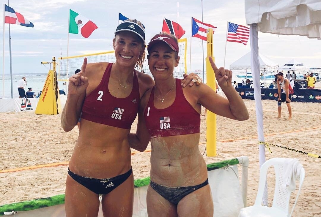 Alix Klineman and April Ross celebrate their triumph in the Dominican Republic