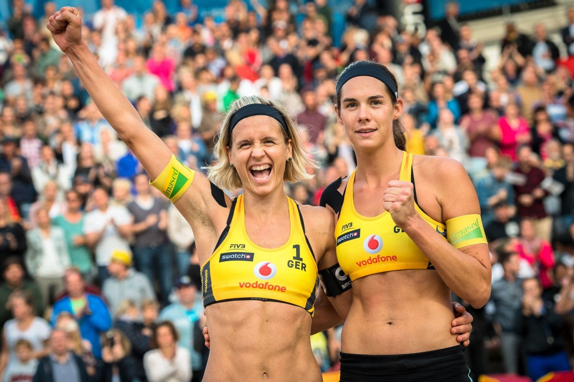 Laura Ludwig (left) and Kira Walkenhorst will not be back in action until March at the earliest