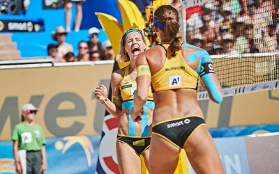 Second Swatch Major Series gold for Laura and Kira!