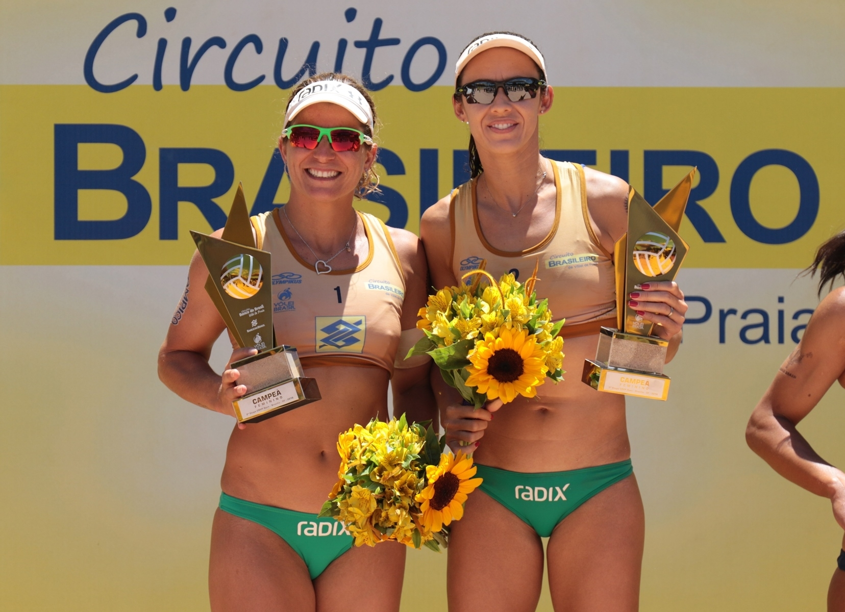 Larissa and Talita pose for photographs after winning the Brasilia competition for the second year running. Photocredit: CBV.