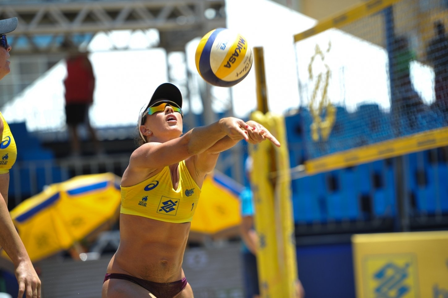 Since 2017, Maria Clara has been competing in both the Brazilian Tour and the AVP (Photocredit: CBV)