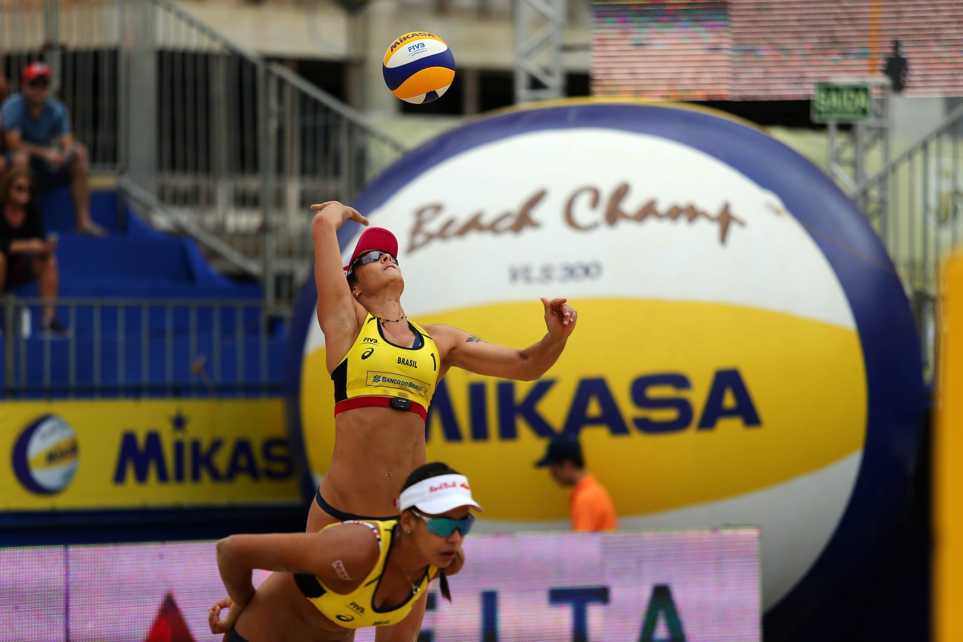 Agatha Bednarczuk and Duda LIsboa are playing at home in Itapema (Photocredit: FIVB)