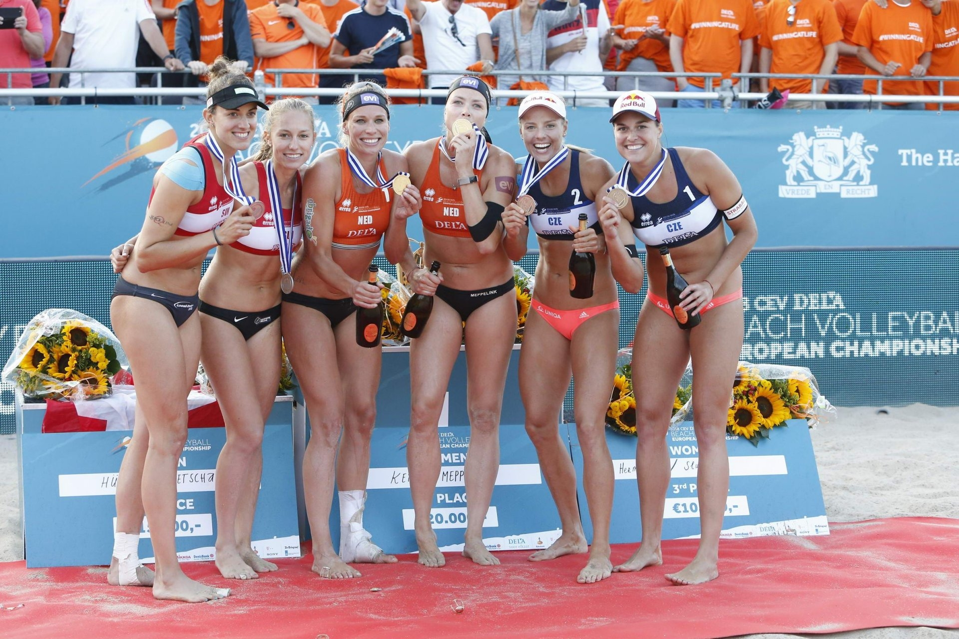 The women's medalists in The Hague (Photocredit: CEV)