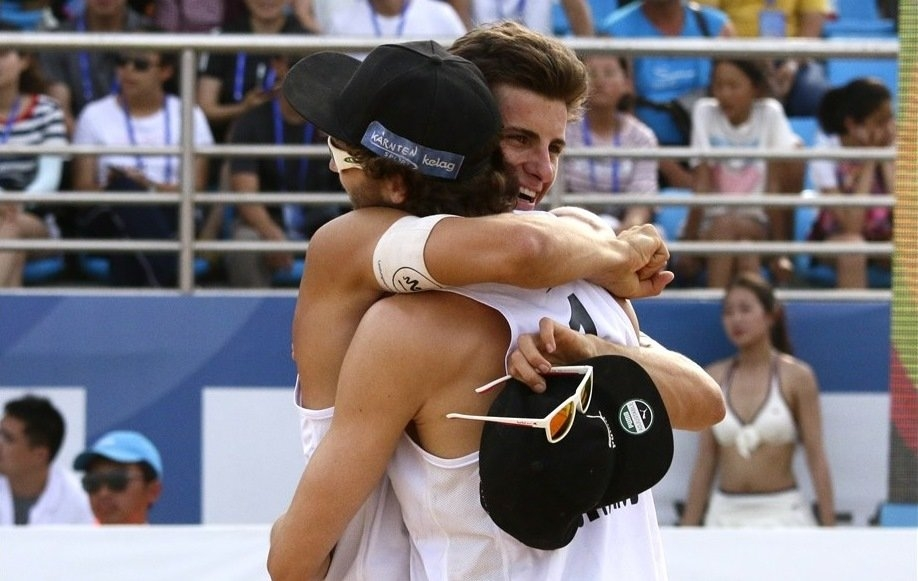 Waller and Seidl celebrate their first World Tour gold medal (Photocredit: FIVB)