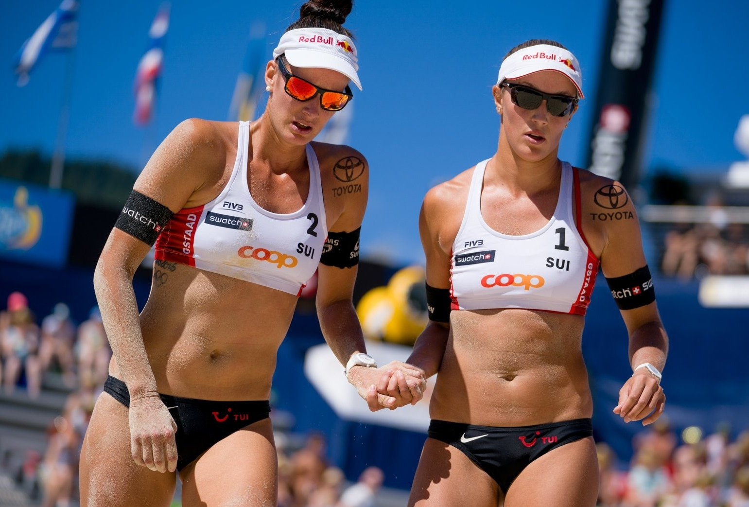 Joana and Anouk had their run in the Gstaad Major cut short by the injury